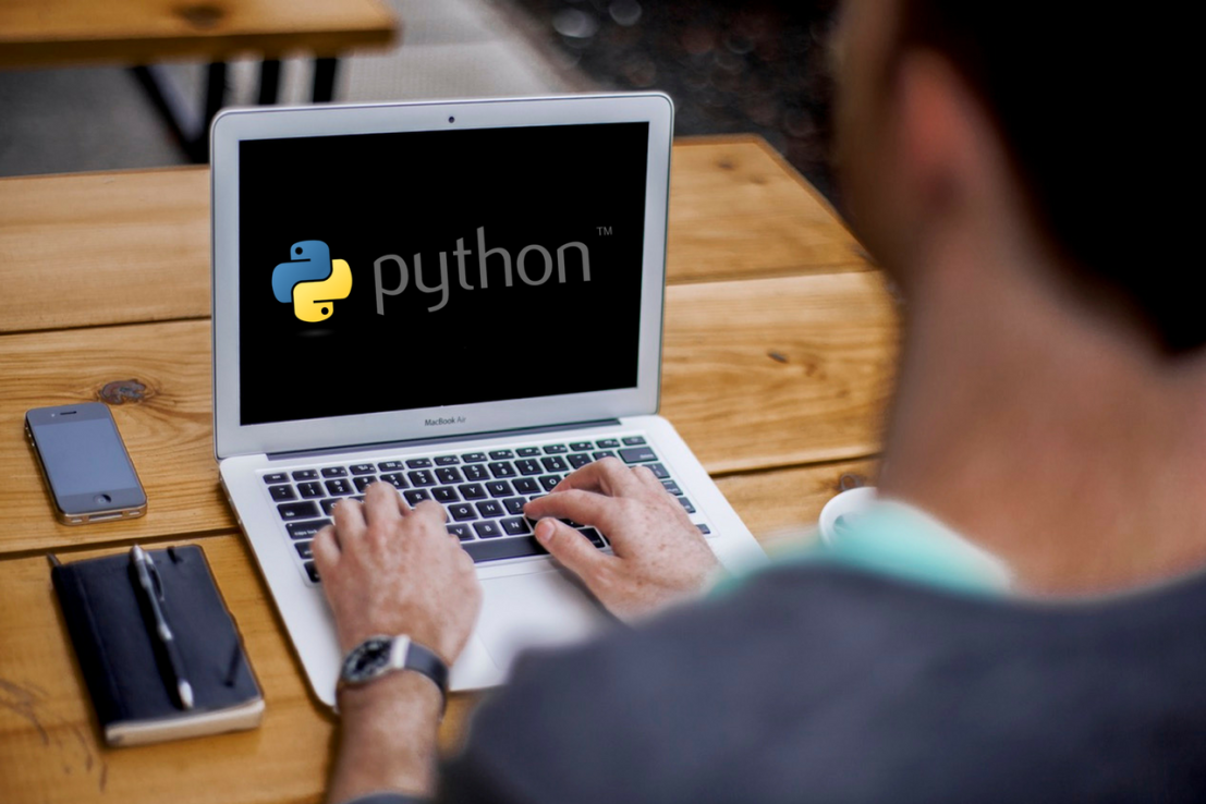 Reasons Why Python is one of the leaders in the Data Analytics Charge